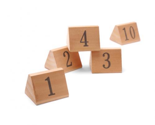 Tafelstandaards genummerd hout 1-10